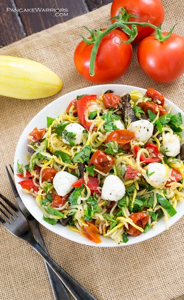 Margherita Pasta Salad with tomatoes