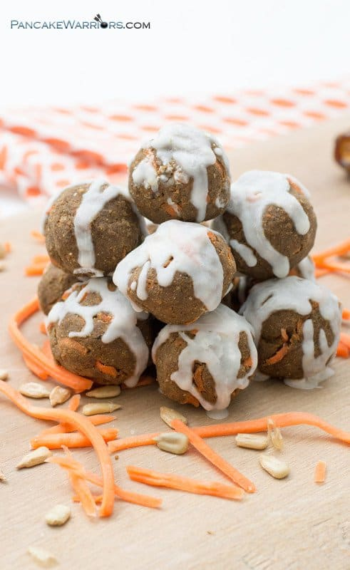Enjoy the flavors of carrot cake anytime with these simple, healthy no-bake carrot cake energy bites! Raw, vegan, gluten free, paleo, nut free, allergy friendly and super easy to make! Packed with protein, fiber and healthy fats! | www.pancakewarriors.com