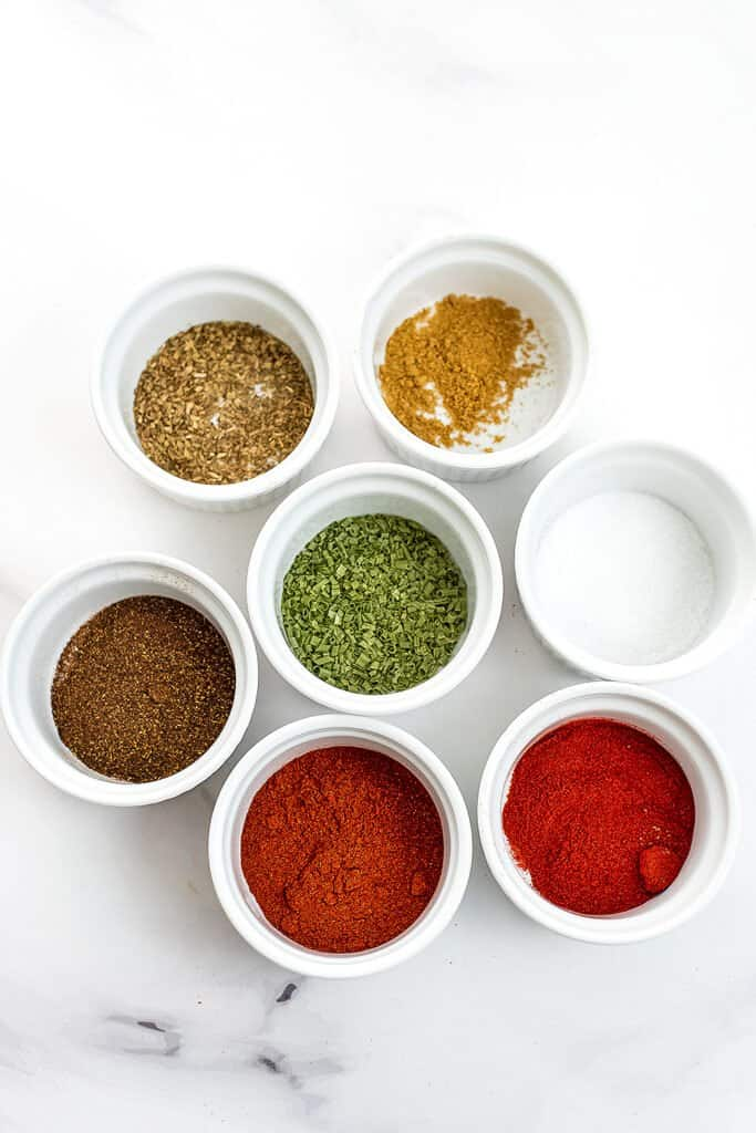 Ingredients for Whole30 taco seasoning.