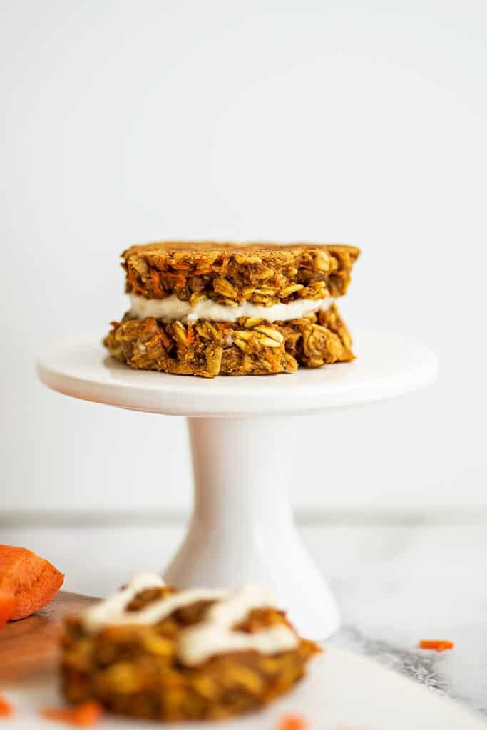 Vegan carrot cake cookie sandwich.