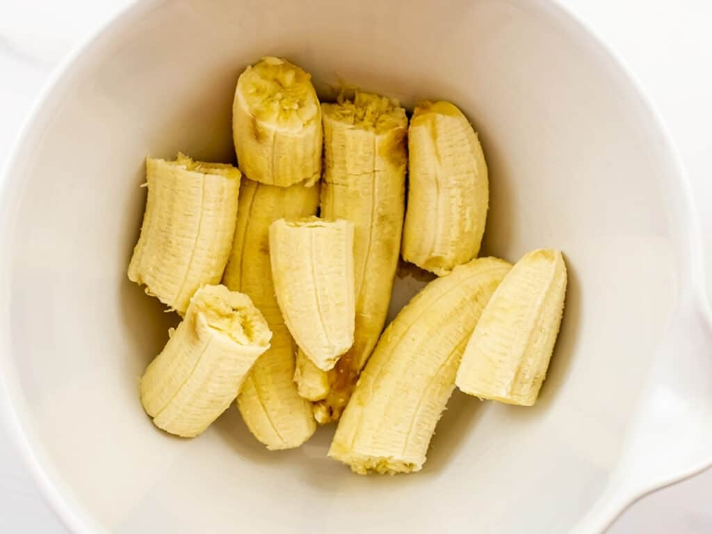 Bananas in a bowl.